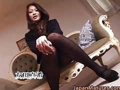 Matured non-professional neonate gets pussy vibrated