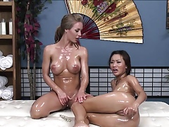 Pussy scraping mandate in XXX nicole