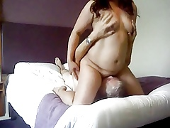 Inferior Asian MILF soaked pussy facial